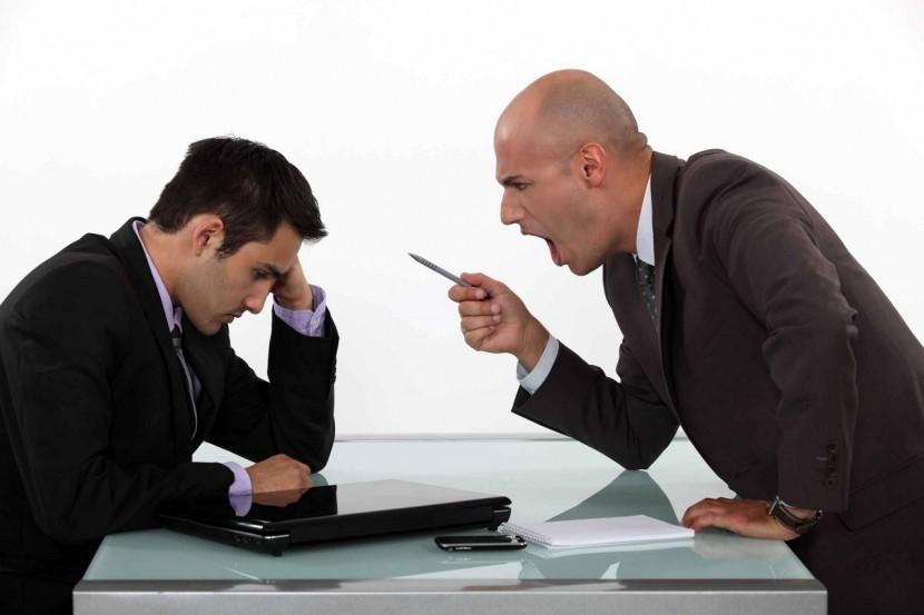 Líderes que desalientan a sus empleados, ¿cómo lidiar con ellos?