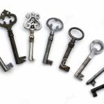 8-claves-antiguos-esquelticos-aislados-13322732