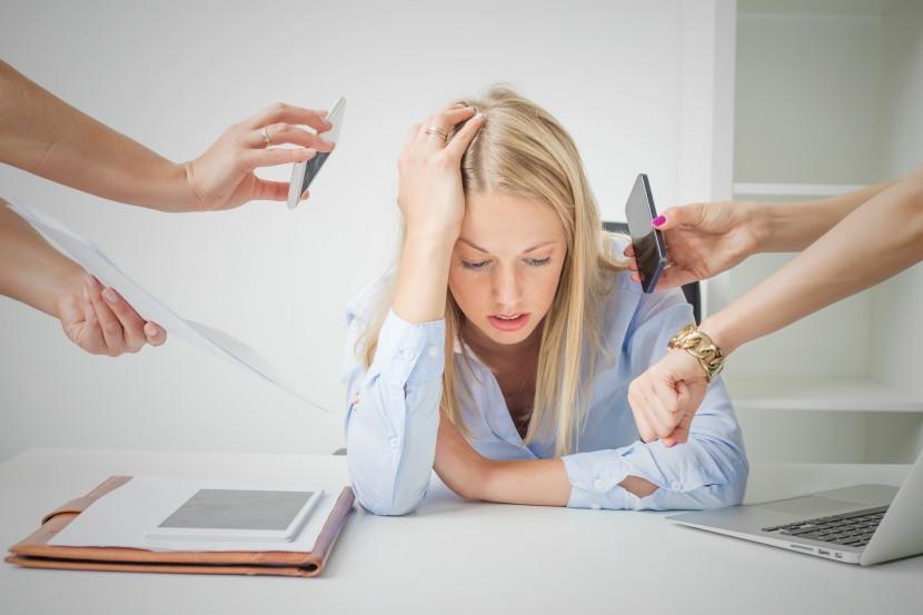 5 causas del estrés laboral (y cómo combatirlo)