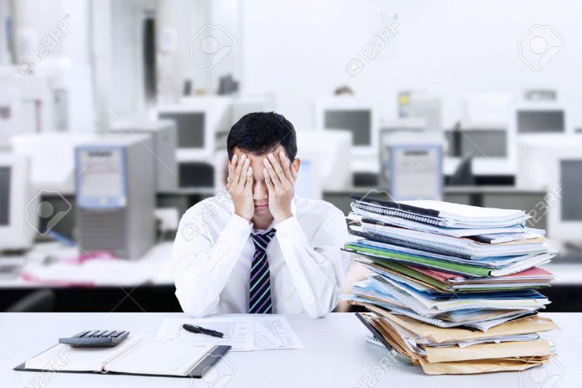 El ejecutivo agobiado frente a sus problemas