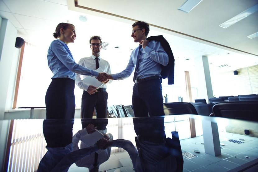 Qué actitud asumir frente a una negociación (sin importar el grado de poder y de influencia que tenga)