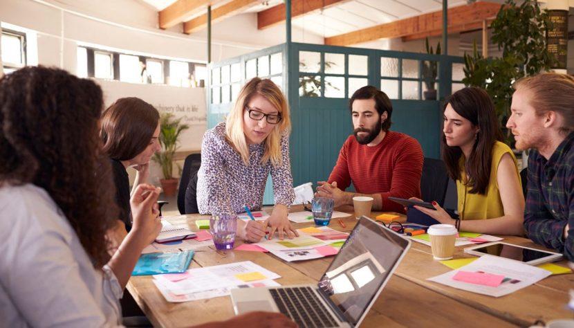 8 cualidades indispensables para liderar un equipo millennial.