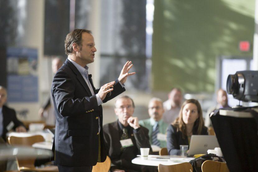 El foco de una charla. ¿Hacia dónde debes apuntar para que te escuchen?