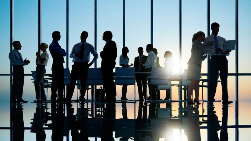 Feudos, cortesanos y otros grupos de poder informal en la Empresa.