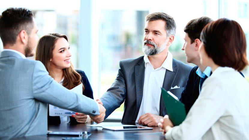Te contamos al oído cuáles son las técnicas de los mejores negociadores