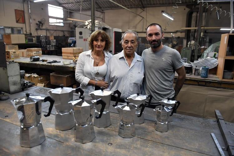 """""""La Volturno"""": la historia de la cafetera industrial más famosa del mundo que fabrica una familia en Caseros"""