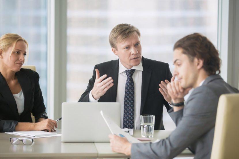 ¿Qué puedo hacer para resolver los conflictos con mi hermano en nuestro negocio?