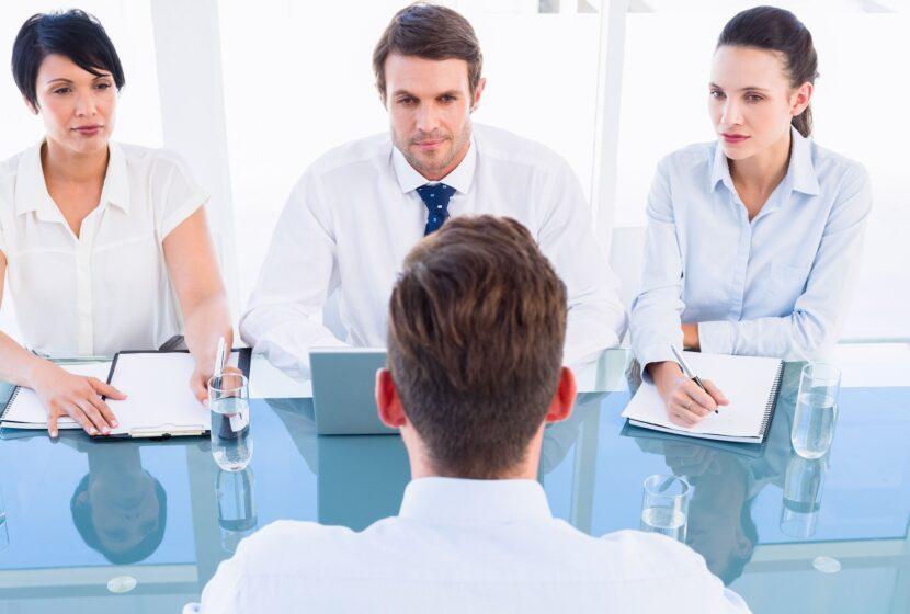 Entrevistar al puesto de trabajo antes de entrevistar a los candidatos.