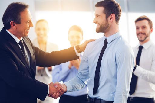Como dirigir y motivcar a los colaboradores directos
