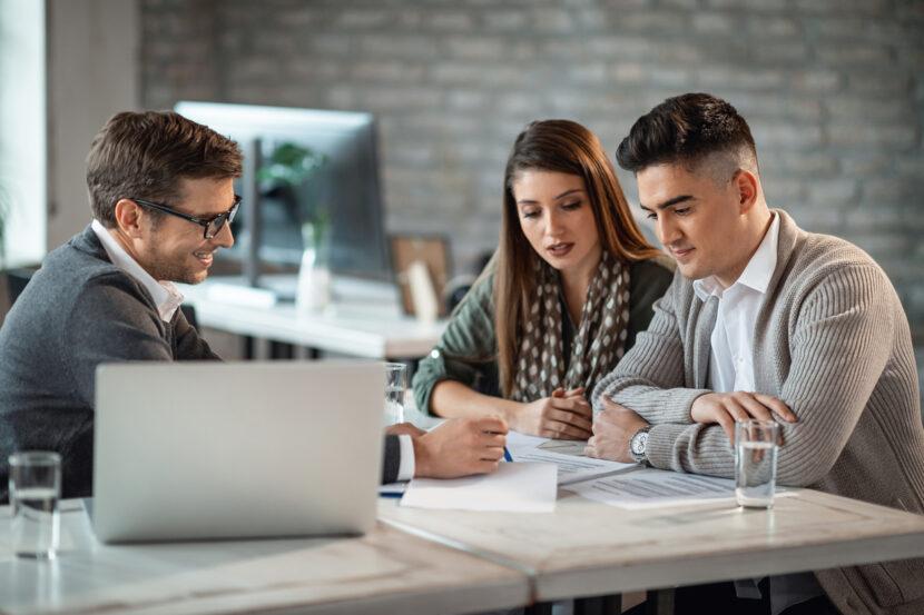 Cómo administrar el dinero de un préstamo para negocios