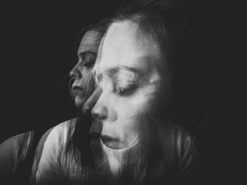 2 formas de calmar la voz negativa que hay en tu interior
